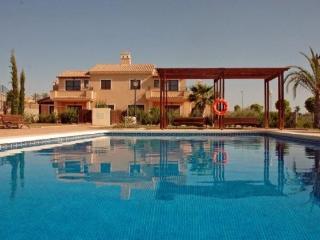 Villa de 3 dormitorios con piscina comunitaria, Fuente Alamo