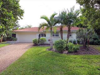 Ground level luxury home with pool, Isla de Sanibel