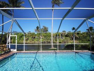 Beautiful Three bedroom ground level home with pool in West Rocks, Sanibel Island