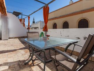 [566] Great attic with view of La Giralda, Sevilla