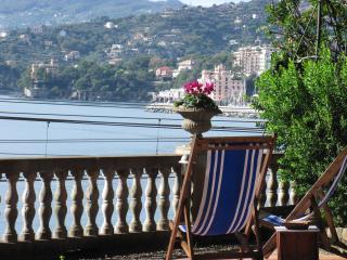 monolocalesul mare con giardin, Rapallo