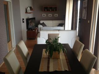 Happyday apartment (7+2), Dugi Rat