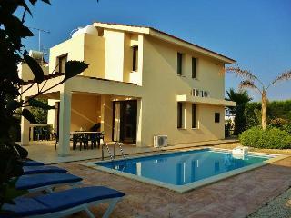 Sea Breeze 3 bedroom villa, Dhekelia