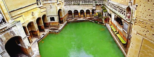 The Famous Roman Baths At Bath Just 30 min Away