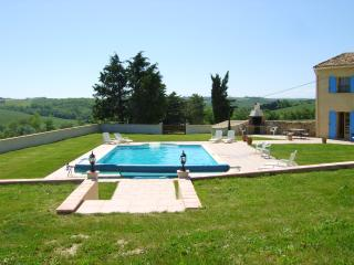 Panoramic views across the pool