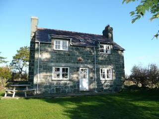 Glasfryn Cottages; Tan y Bryn, Pwllheli
