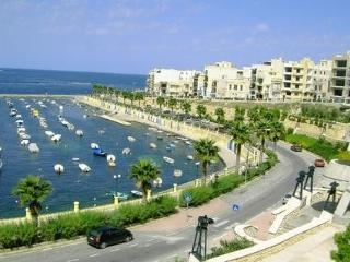Apartment with stunning view, Bugibba