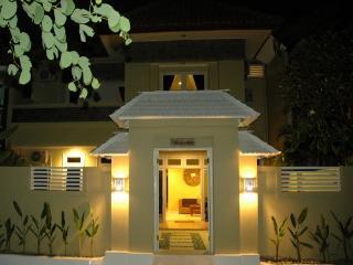 KUTA 6 Bedroom (o) Lovely Spacious Villa, Kuta
