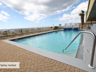 Luxury 17th floor condo at Emerald Isle