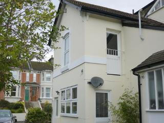 Delightful spacious cottage with garden, Hastings