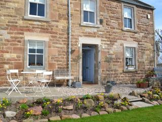 Harbour House - Stunning Sea Views just 100 yards from Crail's Ancient Harbour