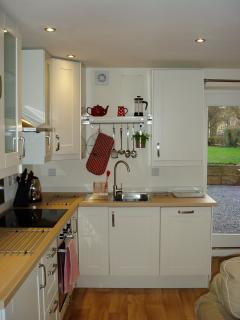 Well-equipped kitchen with integrated appliances