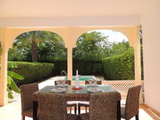 Beautiful villa 2/3 bedrooms with private pool near orient beach, Orient Bay
