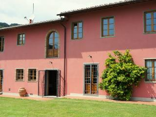 Villa Campioni: hilltop, pool, wheelchair friendly, Colle di Buggiano