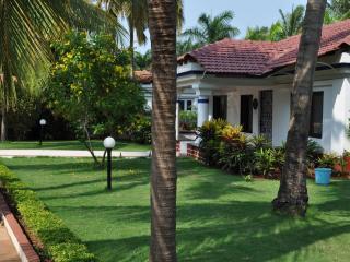 Villa Maya by the pool