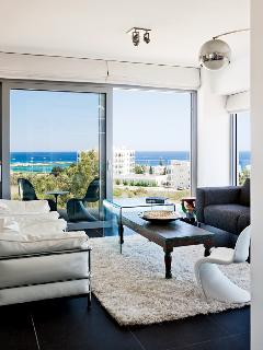 Main Living room with all around balcony and sea view