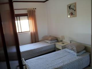 Bedroom singleT2