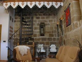 CASA RURAL-MEDIEVAL TORRE FUERTE (S.XIII), Baños de Rioja