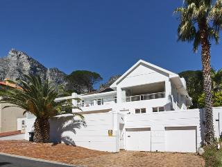 Magnificent Contemporary Camps Bay Villa - Atlantic Six