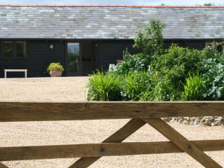 2 Mill Cottages, rural location in Hastingleigh, Ashford
