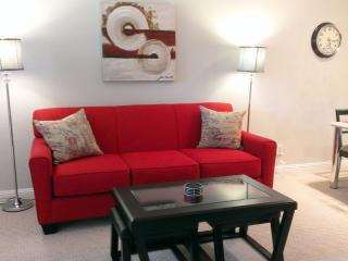 Newly furnished 2 Bedroom Condo - 15 minutes walk to Downtown Sunnyvale, free wi-fi