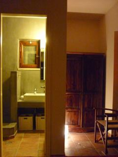 Ground floor bedroom - en suite