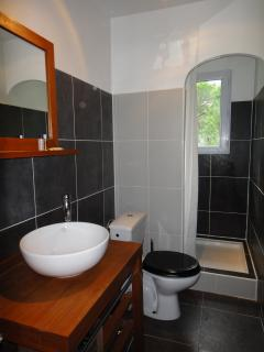 Upstair shared Bathroom.