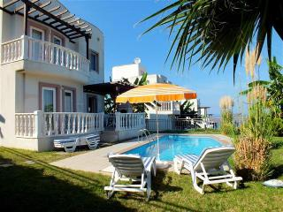 BODRUM YALIKAVAK DETACHED VILLA WITH OWN POOL PLUS ONSITE AQUA PARK & RESTAURANT