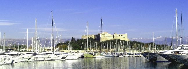Port Vauban and its super yachts