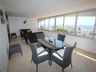 spacious 3 bedroom apart / free Wi-Fi / sea views, Albufeira