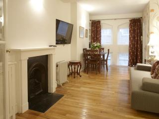 3/4 Bedroom minutes from Parliament Square, London