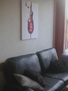 Sitting room with leather sofabed