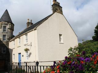 Fountain House, Falkland