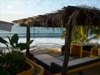 Beachfront Home Sayulita! Ultimate spot w Golf Car!