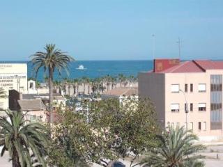 Acogedor estudio frente a la Playa. Vistas al mar., Valencia