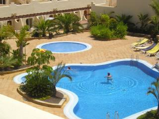 2 Bedded 1st Floor El Sultan with WIFI & Balcony, Corralejo