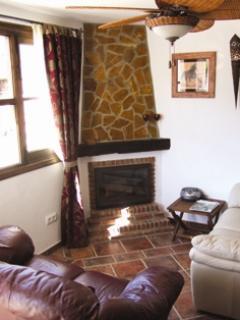 El Pasa Fina Lounge with wood burning chimnea