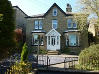 Wellwood Lodge 10 mins walk to Buxton's delights and country walks from door