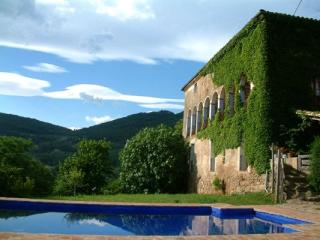 Mas Garganta, the Rural Rough Luxury, Olot