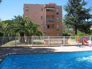 Appartement dans résidence avec piscine F339