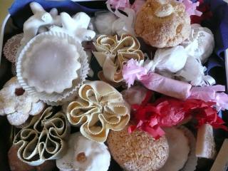 Colazione con vasta selezione di prodotti tipici della tradizione sarda