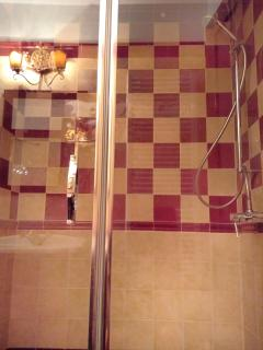 Comfortable and well-sized shower enclosures