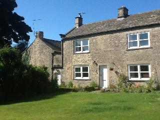 Caroline Cottage, cosy dog friendly cottage in Romaldkirk, near Barnard Castle