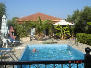 Beautiful 3 bedroom villa in Zakynthos. Set in an olive grove. Villa Jasmine.