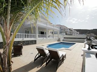 BL242256| Stunning 4 Bedroom Villa. Private Heated Pool. Beautiful Views. Fanabe, Fañabé