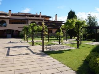 Costabravaforrent Segalar 10, up to 4, shared pool, Albons