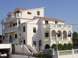 Villa 'Natalie' Brodarica