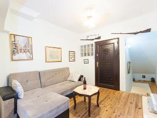 Taksim duplex one-bedroom flat, Estambul