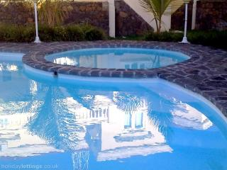 AZURE VILLA - CLOSE TO THE PALMAR BEACH
