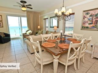 Beach Retreat 411 Direct Gulf View Destin FL Condo